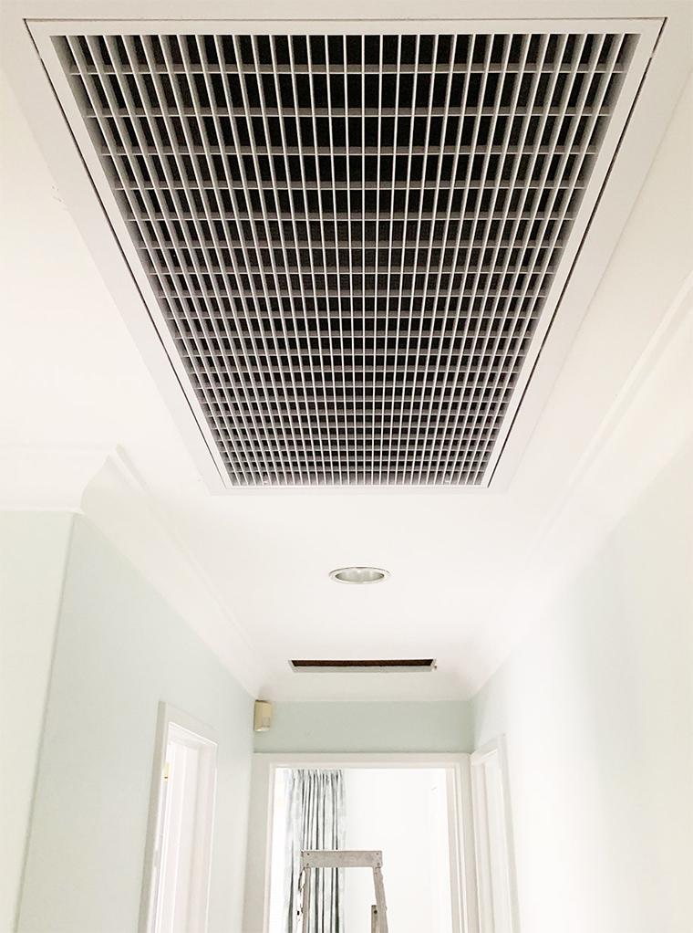 Grille de reprise climatisation gainable gainable couloir